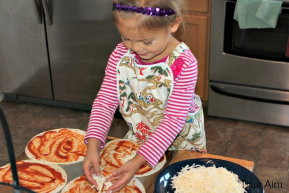 cooking pizza with kids