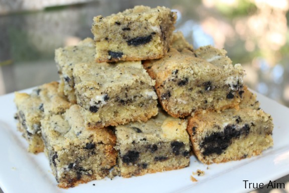 cookies and cream cookie bars