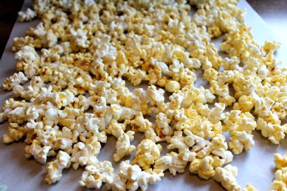 popcorn cereal snack mix