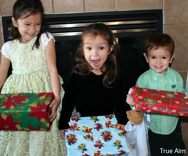 easy christmas traditions for kids