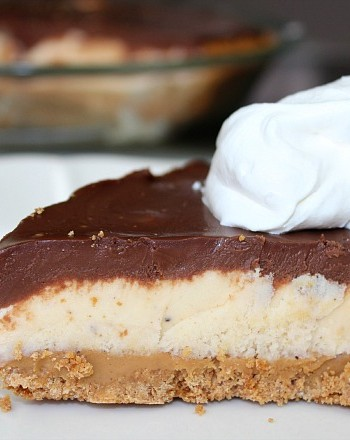 easy peanut butter ice cream pie with chocolate ganache