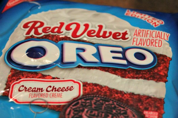 new red velvet oreos
