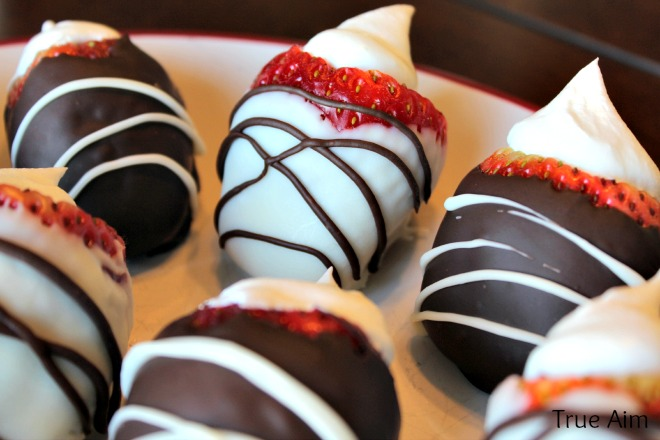 oreo stuffed strawberries