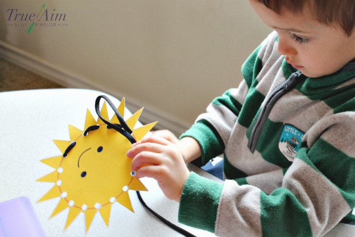 free preschool printables - threading activity