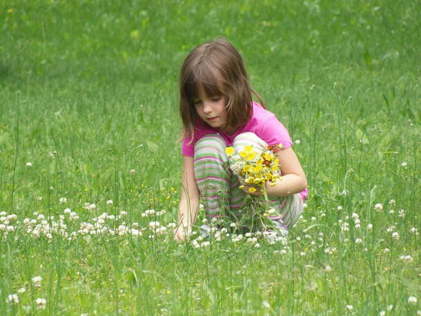 5 Fun Ways to Take Learning Outside in the Spring