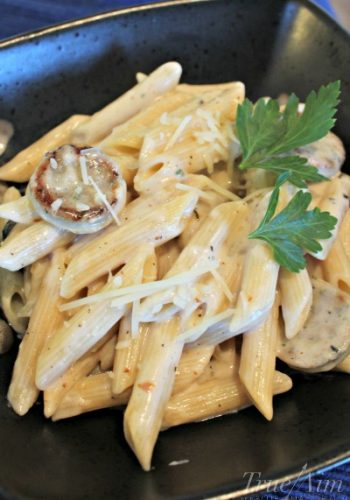 Easy Pasta with Garlic Cream Sauce – Hunger Is