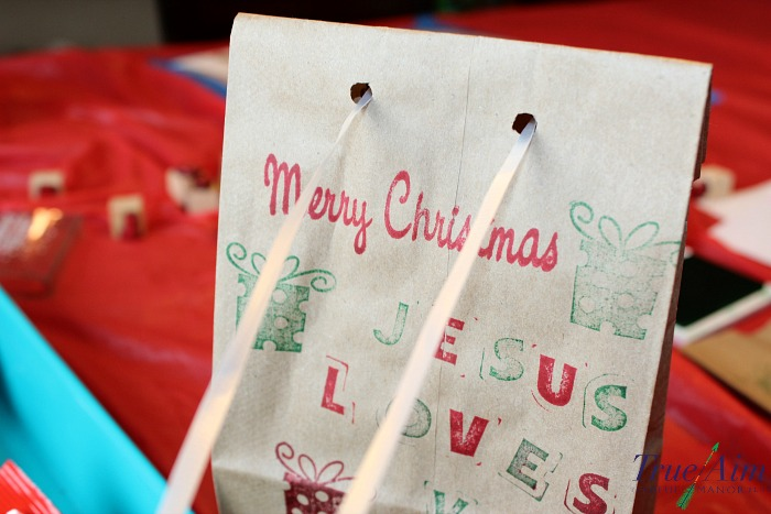 how-to-make-paper-bags-look-cute-for-gifts